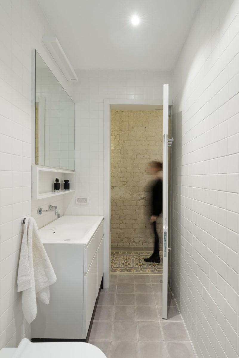 White keeps this bathroom feeling open