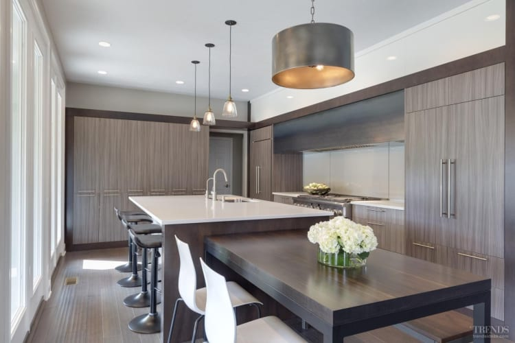 8 kitchens with room to dine