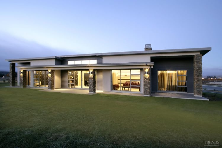 Beach houses nz for Coastal home designs nz