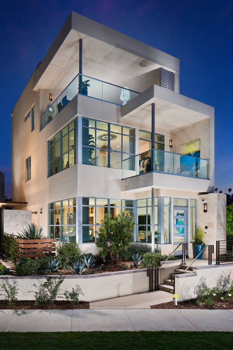Marlowe, near Facebook's Playa Vista campus, is a complex of 30 contemporary homes designed by Robert Hidey Architects to appeal to successful urban professionals in the high-tech and entertainment industries