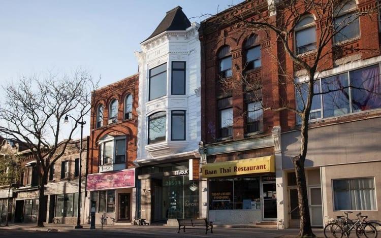 Minimalist Studio Apartment In Historic Toronto Building