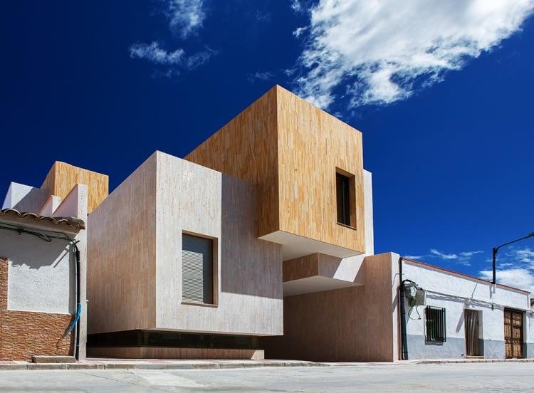 House R+