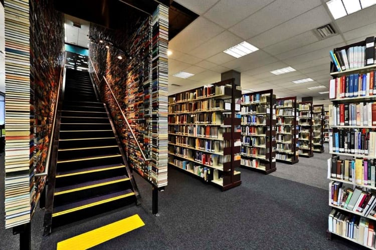 New Contemporary University Library
