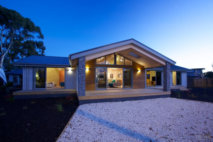 Lockwood Madrid show home with cedar and aluminium cladding