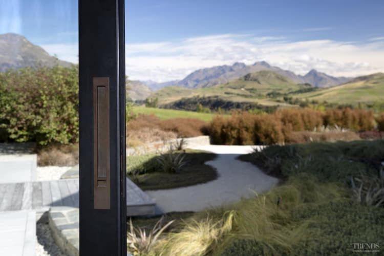 Chant door handles complement this high-end Lodge