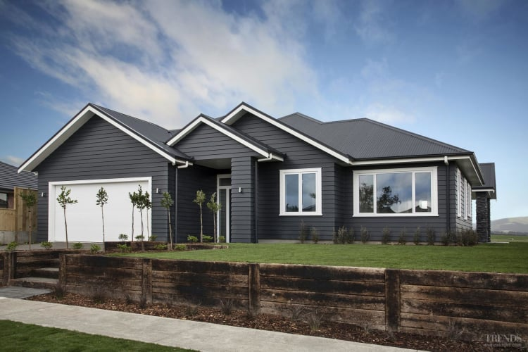 New family home offers open-plan layouts, a sharp street presence and large outdoor living area