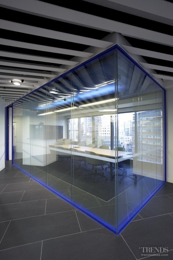 Quiet separation – meeting room aluminium profiles by Potter Interior Systems