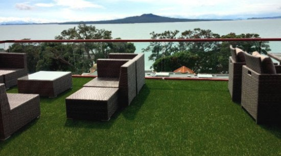 Installing artificial grass on rooftops and balconies