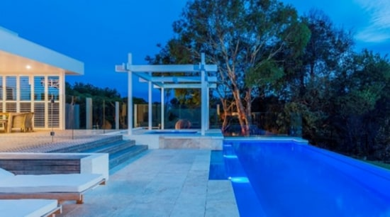 Why choose a fibreglass swimming pool instead of a concrete pool?