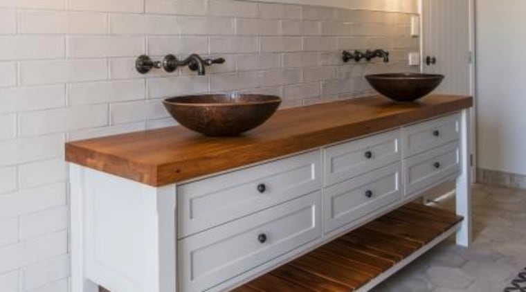 Handmade copper basins are renowned for their hygiene, anti-bacterial and anti-microbial properties