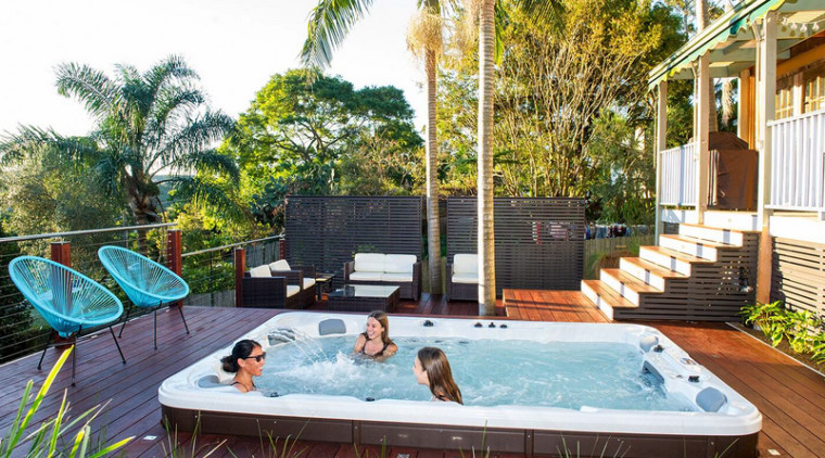 This pool offers entertainment, relaxation and exercise in one