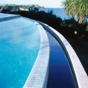 Closeup view of edge of pool with lower fixed link, swimming pool, water, water resources, waterway, teal