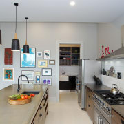 A tight work triangle between refrigerator, oven and countertop, cuisine classique, interior design, kitchen, room, gray
