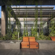 The cantilevered Sky Garden at Level 29 of architecture, courtyard, facade, house, black