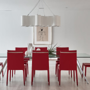 The pared back dining setting, like the pendant
