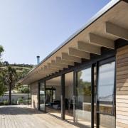 Deep overhangs mitigate solar gain to the living