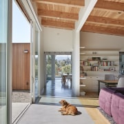 The expansive, indoor-outdoor qualities of this Californian home