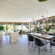 MITOSIS XL – kitchen-dining area of duplex.