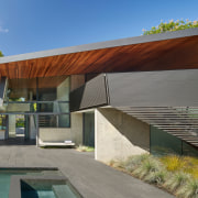House of angles – materials on the renovation