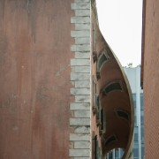 Alex Chinneck – A spoonful of sunrise (side architecture, brick, brickwork, wall, brown, gray