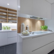 It's easy to keep the kitchen looking its