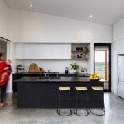 Black, white and stylish – the modern kitchen