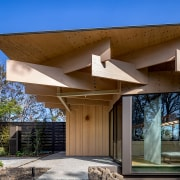 Entrance to Mikuni Izu Kogen restaurant by architects brown