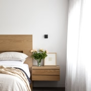 Cantilevering the side tables in the master bedroom architecture, bed, bedroom cantivered side table, McMahon & Nerlich