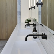 These mirror cabinet pulls feature LED strip lighting