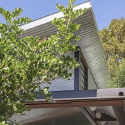 A roof corner on the light-filled and private