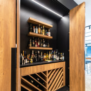 Open sesame! The dramatic drinks station is set