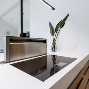 The combination of pop-up ventilation and induction hob