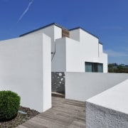 Architect: Tisselli Studio architecture, building, estate, facade, home, house, property, real estate, residential area, roof, sky, villa, window, gray, blue