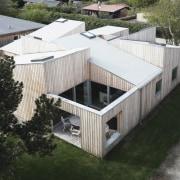 Architect: Sigured LarsenPhotography by Tia Borgsmidt architecture, daylighting, house, property, real estate, roof, white, black