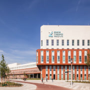 Zaans Medical Centre – Mecanoo - Zaans Medical architecture, building, city, commercial building, corporate headquarters, daytime, facade, headquarters, landmark, metropolitan area, mixed use, real estate, sky, blue