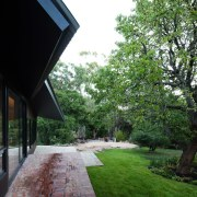 Architect: MRTN ArchitectsPhotography by Nic Granleese architecture, estate, grass, home, house, landscape, plant, property, real estate, residential area, tree, walkway, green, black