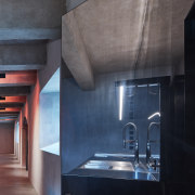 The architectural design works with modular diversity, the