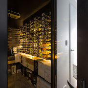 Bright bouquet – this wine cellar is off interior design, black, brown