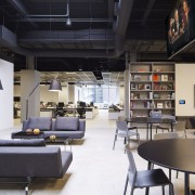 Havas, Chicago by Gary Lee Partners – the interior design, loft, black, white