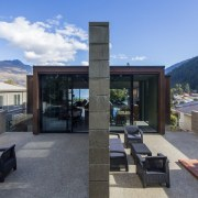 Arrowtown-based Bennie Builders was the only Southern Lakes architecture, home, house, property, real estate, roof, gray, black