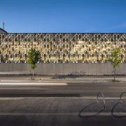 The Ministry of Justice project team worked with architecture, building, city, facade, house, mixed use, neighbourhood, residential area, sky, tree, wall, gray, black