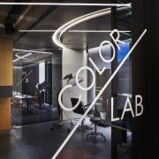 H Academy – Shi-Chieh Lu/CJ Studio glass, product design, structure, black