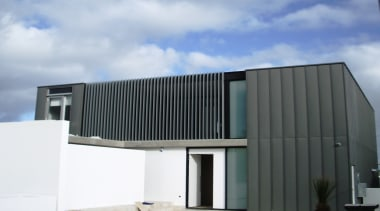 78580_louvretec-new-zealand-ltd_1556755710 - architecture | building | facade | architecture, building, facade, home, house, line, material property, property, real estate, white