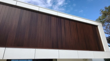 78580_louvretec-new-zealand-ltd_1556755768 - architecture | building | daylighting | architecture, building, daylighting, design, facade, glass, home, house, line, material property, metal, property, real estate, residential area, roof, shade, siding, sky, wall, window, wood, black