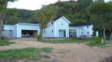 Longbeach Home 4 - cottage | farmhouse | cottage, farmhouse, home, house, land lot, landscape, property, real estate, shed, siding, yard, gray