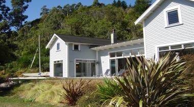 Longbeach Home 6 - cottage | farmhouse | cottage, farmhouse, home, house, property, real estate, siding, window, brown