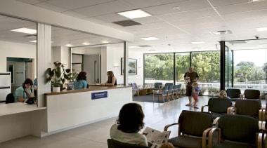 MERIT WINNERElective Surgery Waitemata District Health Board (4 institution, interior design, office, gray