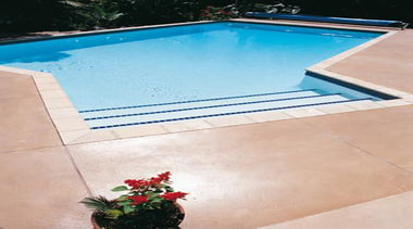pol0043web.jpg - pol0043web.jpg - concrete | floor | concrete, floor, flooring, leisure, property, swimming pool, tile, water, white