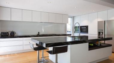 IMGL0228-8 - Dingle Road - countertop | cuisine countertop, cuisine classique, interior design, kitchen, real estate, room, gray