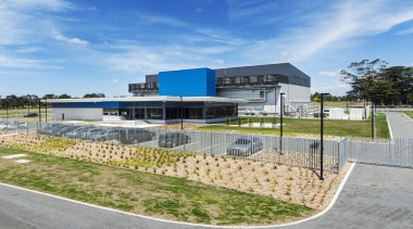 myTrends Publishing IndustrialProperty Award - Spark Data Centre, architecture, corporate headquarters, estate, facade, home, house, property, real estate, gray, teal